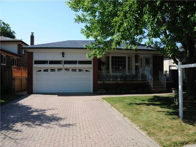 17 Pleasant View Dr