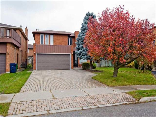 33 Marcelline Cres