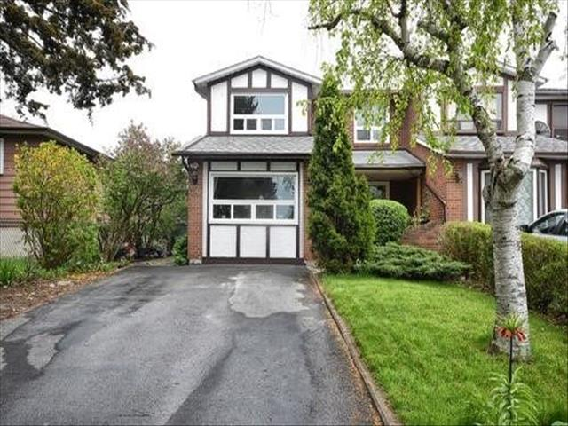 36 Micmac Cres